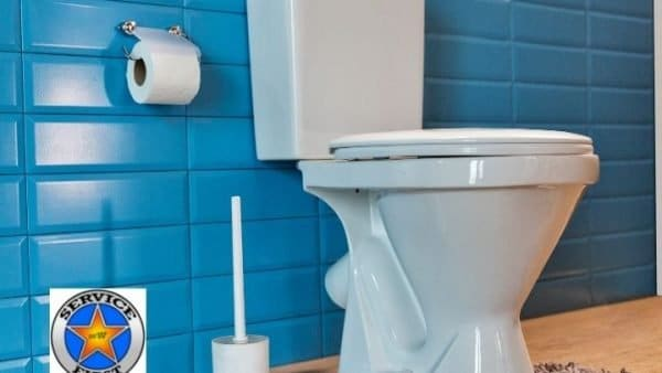 signs of a toilet problem and when to call plumber